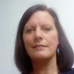 Belle femme divorcée de 54 ans cherche long terme