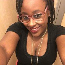 Profil féminin célibataire de 28 ans pour amour